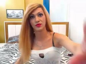 My Wonderful Young Shemale Pleasures Me On Cam