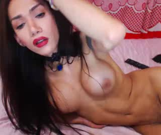 Stunning Colombian Shemale Cam Model Goes Topless And Horny