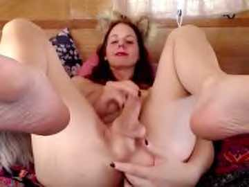 Lovely Tranny Cam Girl Amaliestar Masturbates And Fingers Herself